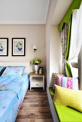 绿色浪漫温馨田园卧室飘窗美图