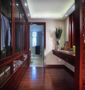 东南亚大气红木时尚衣帽间美图