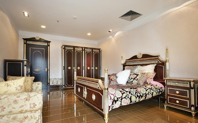 欧式风格褐色质感卧室图片赏析