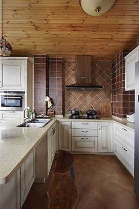 个性橙色简欧风厨房橱柜设计案例