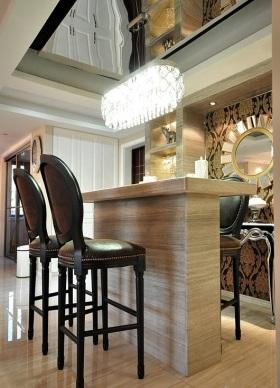 低奢雅致美式风格米色吧台设计欣赏