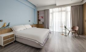 现代风格米色卧室窗帘设计图片