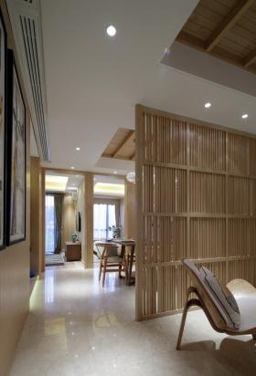 米色中式精美原木隔断设计案例