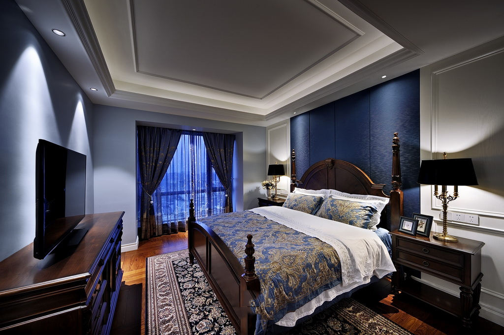 蓝色美式风格卧室时尚图片欣赏