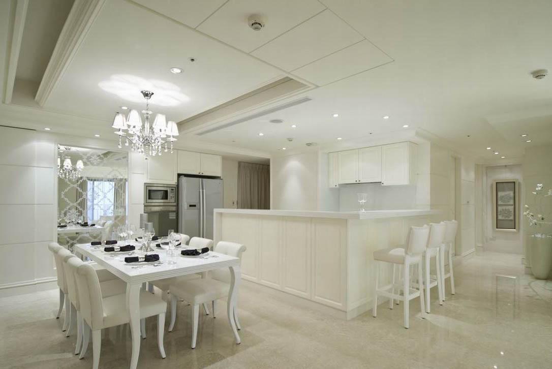 欧式风格白色素雅餐厅橱柜装修效果图