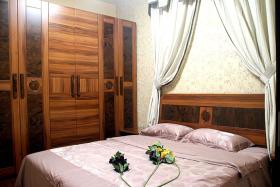 个性时尚东南亚风格卧室衣柜装潢