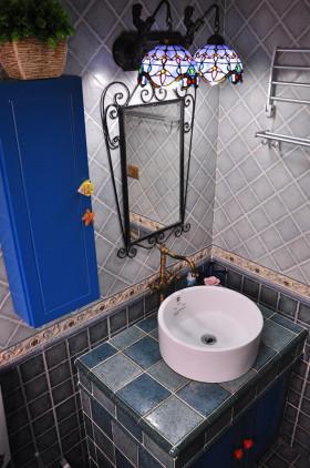 蓝色地中海卫生间装修设计图