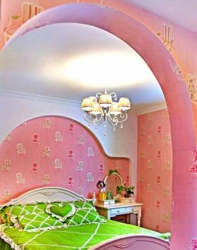 粉色地中海风格吊顶装饰图