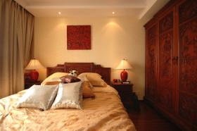 复古中式风格原木大气卧室衣柜欣赏