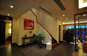 黄色典雅中式风格楼梯装修设计