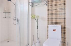 温馨时尚现代简约卫生间设计图片