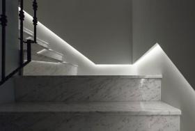 灰色欧式风格楼梯装潢设计