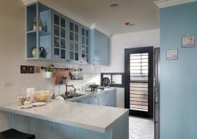 粉蓝美式乡村厨房橱柜装修布置