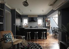 炫酷黑色欧式餐厅橱柜装修图