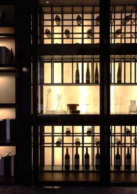 简约风格黑色时尚酒柜设计欣赏