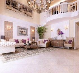 浪漫粉色欧式客厅吊顶装饰设计图片