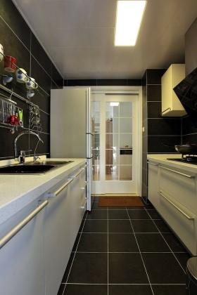 黑色简约风格厨房橱柜装修布置