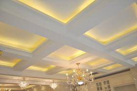 欧式风格白色餐厅吊顶赏析