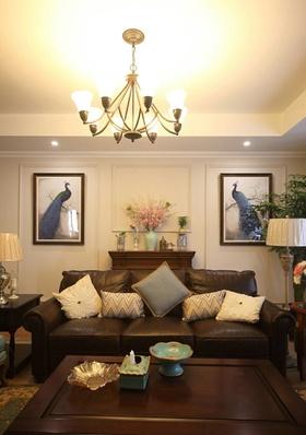 黄色东南亚风格客厅吊顶赏析