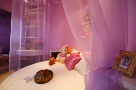 欧式紫色儿童房装潢设计