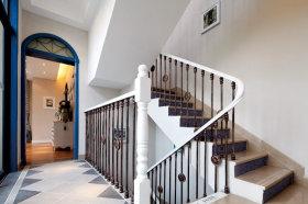 地中海清新白色楼梯装修美图赏析