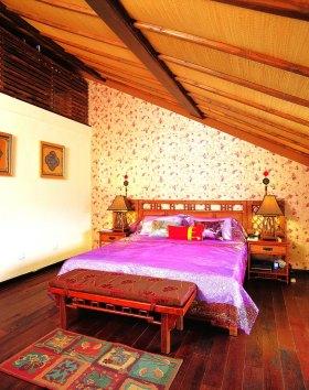 红色东南亚风格卧室装修图