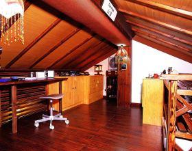 大气东南亚红色阁楼书房装修布置