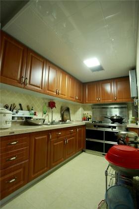 橙色简约风格厨房橱柜美图赏析