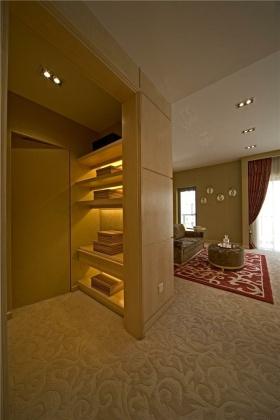 欧式简洁收纳展示柜装潢设计