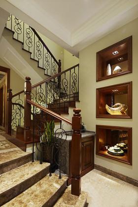 美式风格雅致黄色楼梯装修效果图