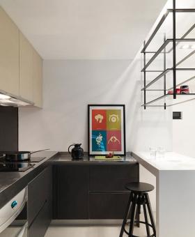 2016时尚凝练黑色简约风格厨房橱柜图片赏析
