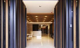 蓝色欧式风格入门玄关装修设计