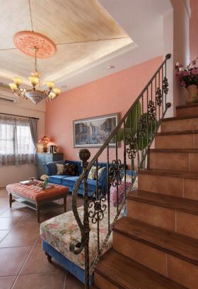 欧式风格浪漫粉色楼梯图片赏析