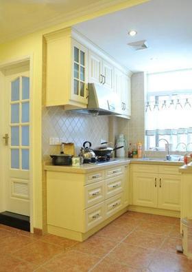 2016田园风格黄色厨房装修效果图