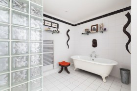 新古典雅致时尚风格白色卫生间装修效果图片