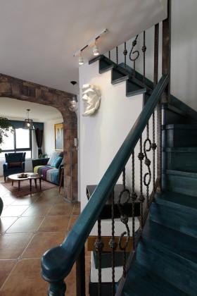 地中海风格浪漫蓝色楼梯装潢案例
