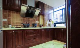 美式风格大气红色厨房橱柜装修效果图片