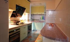混搭米色厨房装修设计