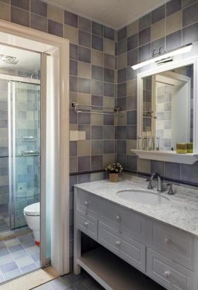 欧式风格温馨蓝色卫生间装修赏析