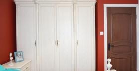 个性红色简欧风衣柜装修效果图