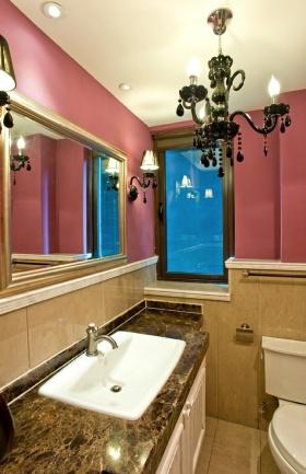 2016红色个性混搭风卫生间装修案例