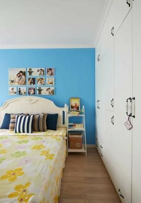 地中海蓝色卧室衣柜装潢案例