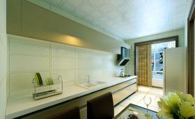 绿色欧式厨房橱柜装修布置
