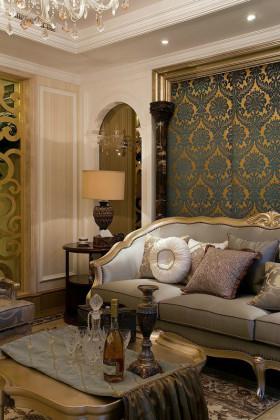 黄色欧式风格客厅背景墙装饰图
