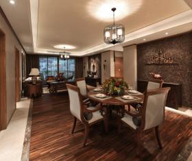 东南亚风格低调原木色餐厅装修效果图