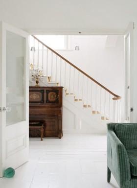 欧式风格休闲楼梯设计装潢