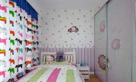 现代风格儿童房衣柜装饰案例