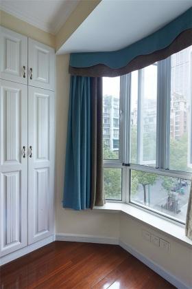 蓝色地中海风格飘窗装修布置