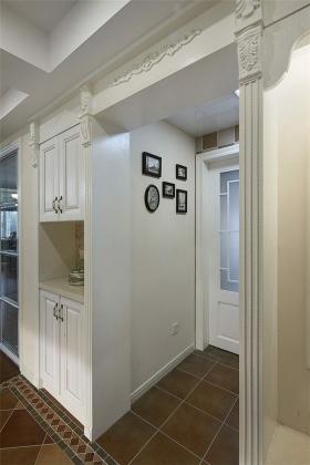 清新白色简欧风格玄关装修欣赏