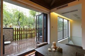 简约风格客厅阳台隔断装修效果图